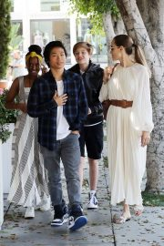 Angelina Jolie with Her Kids Enjoys at Fig and Olive in Hollywood 2019/09/02 12