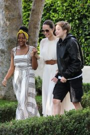 Angelina Jolie with Her Kids Enjoys at Fig and Olive in Hollywood 2019/09/02 16