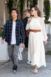 Angelina Jolie with Her Kids Enjoys at Fig and Olive in Hollywood 2019/09/02 23