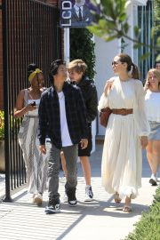 Angelina Jolie with Her Kids Enjoys at Fig and Olive in Hollywood 2019/09/02 32