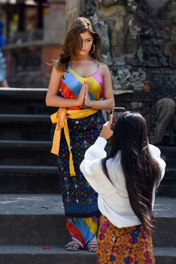 Demi Rose Visits a Small Temple Photoshoot During Her Vacation in Bali 2019/08/27 3