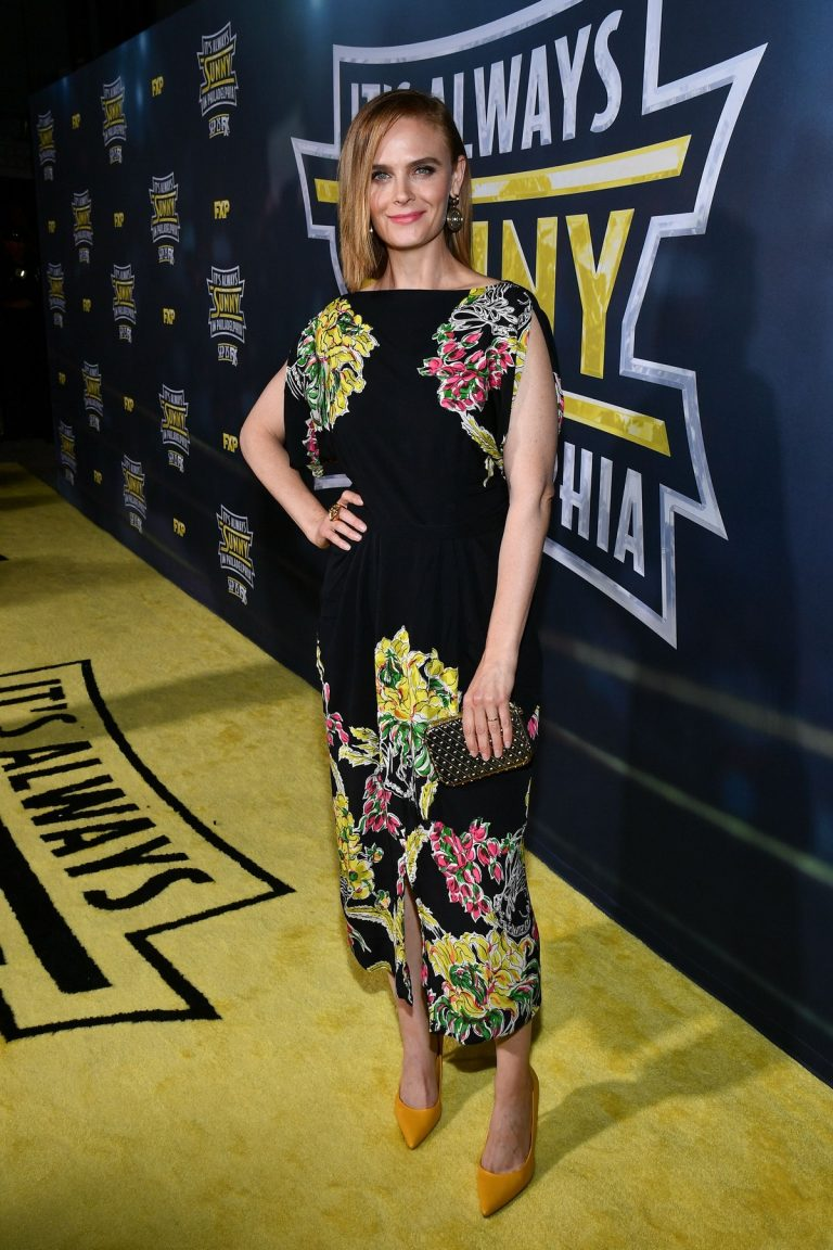 Emily Deschanel attends It's Always Sunny In Philadelphia TV Show Season 14 in Los Angeles 2019/09/24 12