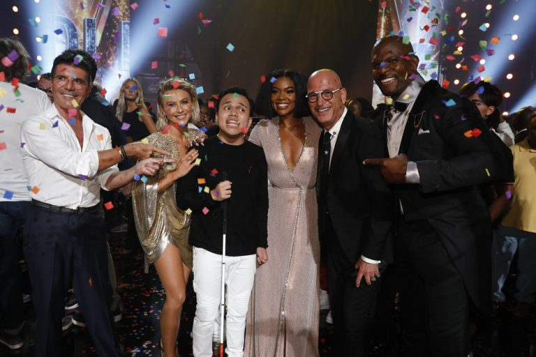Leona Lewis seeks to work with the winner of 'America's Got Talent' 1