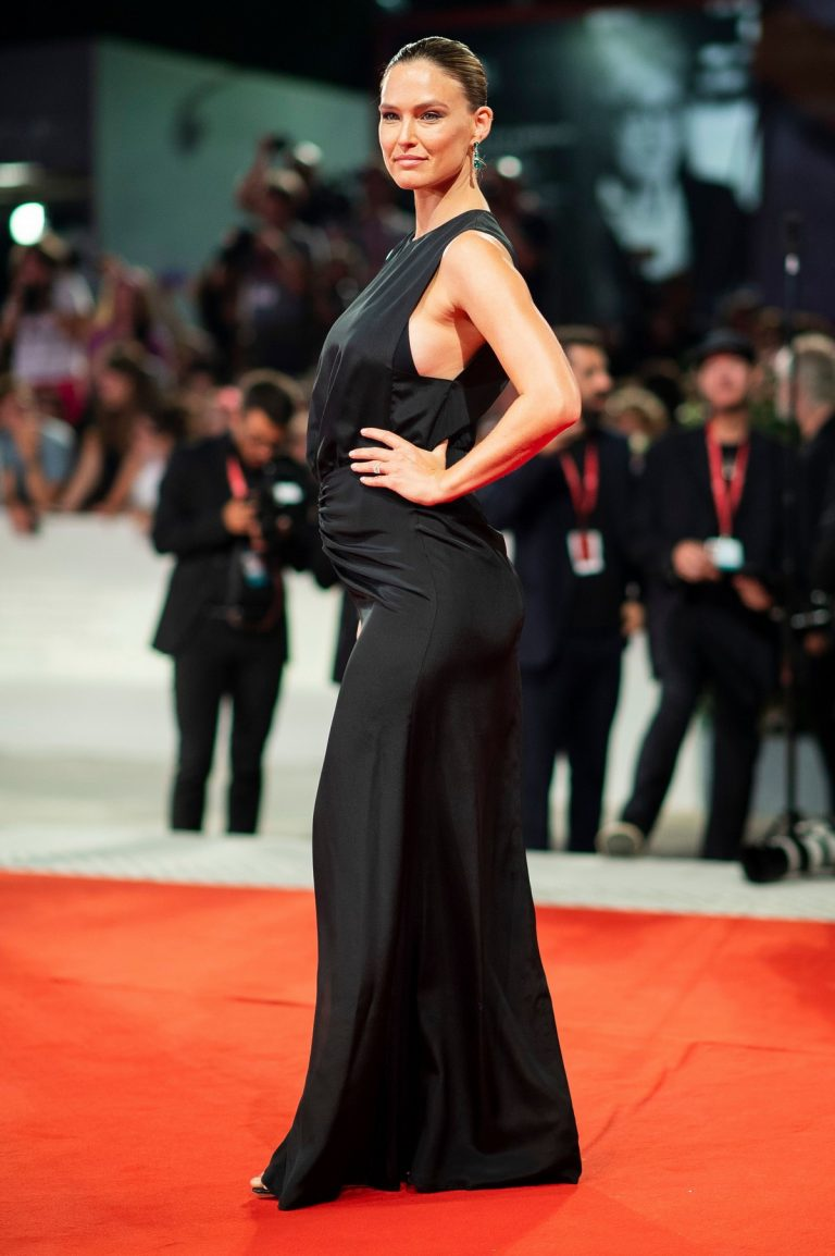 Pregnant Bar Refaeli attends Ad Astra Premiere at 76th Venice Film Festival in Italy 2019/08/29 23