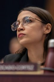 Alexandria Ocasio-Cortez at House Financial Services Committee Hearing in Washington 2019/10/23 1
