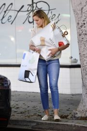 Cameron Diaz Leaves Shopping Out in Los Angeles 2019/10/29 5