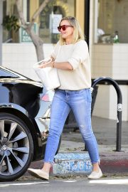 Cameron Diaz Leaves Shopping Out in Los Angeles 2019/10/29 12