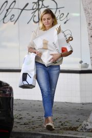 Cameron Diaz Leaves Shopping Out in Los Angeles 2019/10/29 13