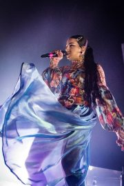 Charli XCX performs on stage at The O2 Institute in Birmingham 2019/10/28 3