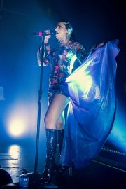 Charli XCX performs on stage at The O2 Institute in Birmingham 2019/10/28 6