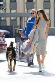 Emily Ratajkowski with Her husband and Pets Out in Los Angeles 2019/10/30 2
