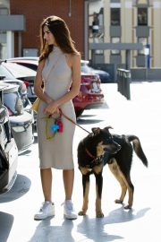 Emily Ratajkowski with Her husband and Pets Out in Los Angeles 2019/10/30 28