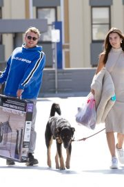 Emily Ratajkowski with Her husband and Pets Out in Los Angeles 2019/10/30 32