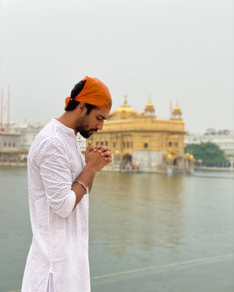 Vicky Kaushal visit Golden Temple ahead of Sardar Udham Singh second schedule 1