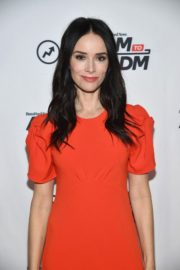 """Abigail Spencer attends BuzzFeed's """"AM To DM"""" in New York 2019/11/26 5"""