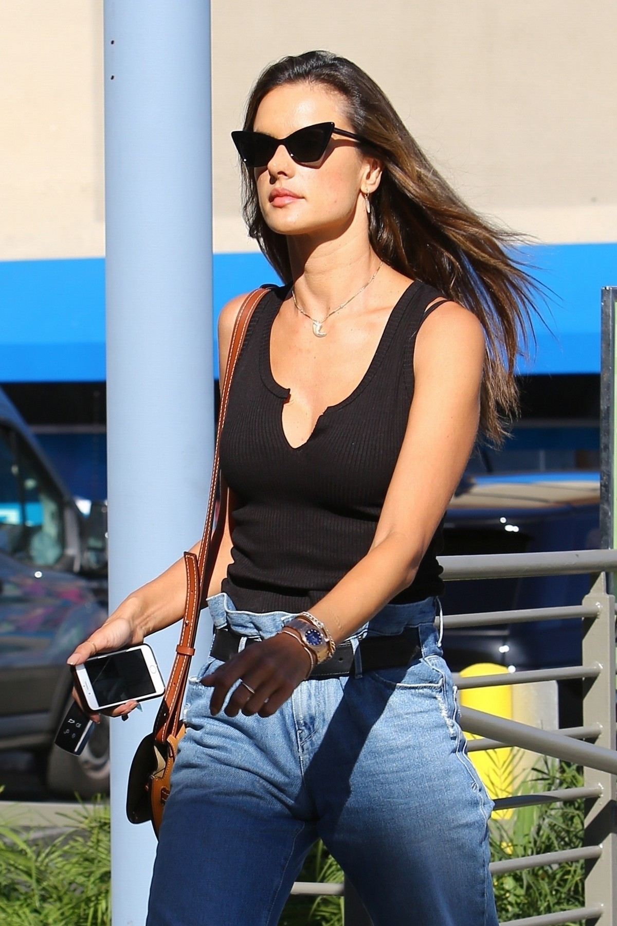 Alessandra Ambrosio in Black Top and Blue Jeans out in Los Angeles 2019/11/18 6