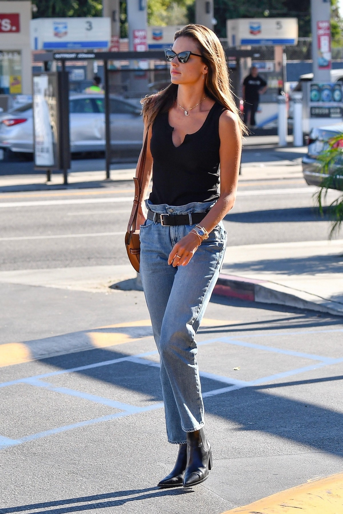Alessandra Ambrosio in Black Top and Blue Jeans out in Los Angeles 2019/11/18 26