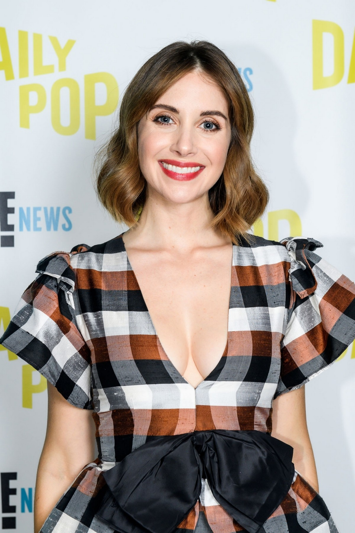 Alison Brie visits Daily Pop in Universal City 2019/08/19 1