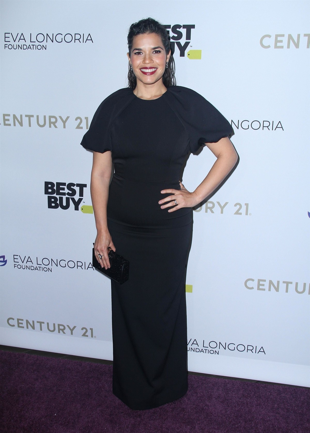 America Ferrera attends The Eva Longoria Foundation Gala at the Four Seasons in Los Angeles 2019/11/15 3