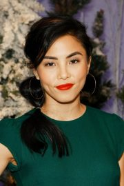 Anna Akana attends Let It Snow Photocall in Beverly Hills 2019/11/01 4