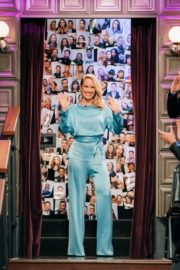 Anna Camp attends The Late Late Show with James Corden in Hollywood 2019/11/19 2