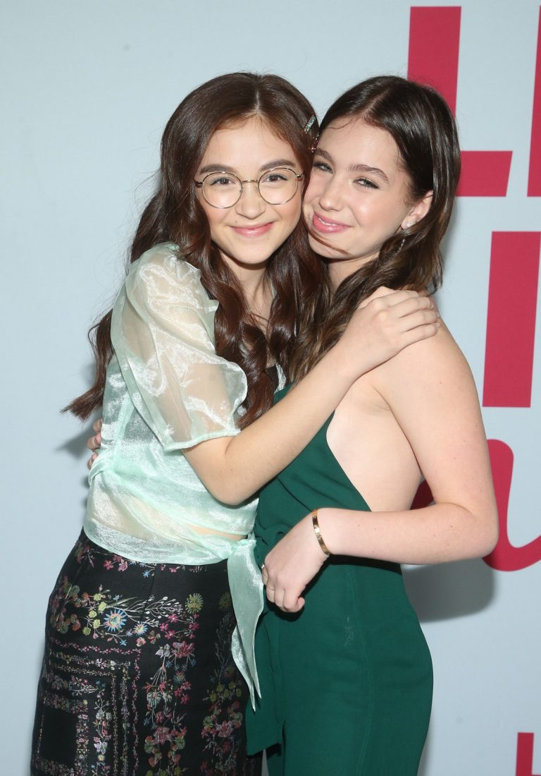Anna Cathcart and Lilia Buckingham at Netflix's 'Let It Snow' Premiere in Los Angeles 2019/11/04 4