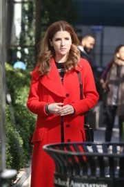 Anna Kendrick and Nick Thune on the set of 'Love Life' in New York 2019/11/01 3