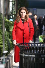 Anna Kendrick and Nick Thune on the set of 'Love Life' in New York 2019/11/01 16