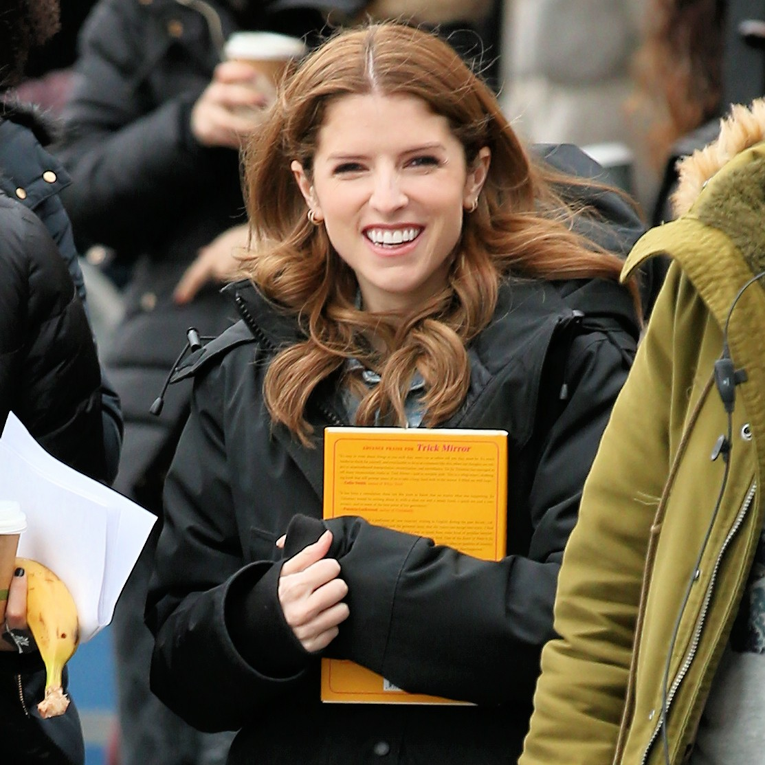 Anna Kendrick on the set of 'Love Life' filming in Brooklyn, New York 2019/11/18 1