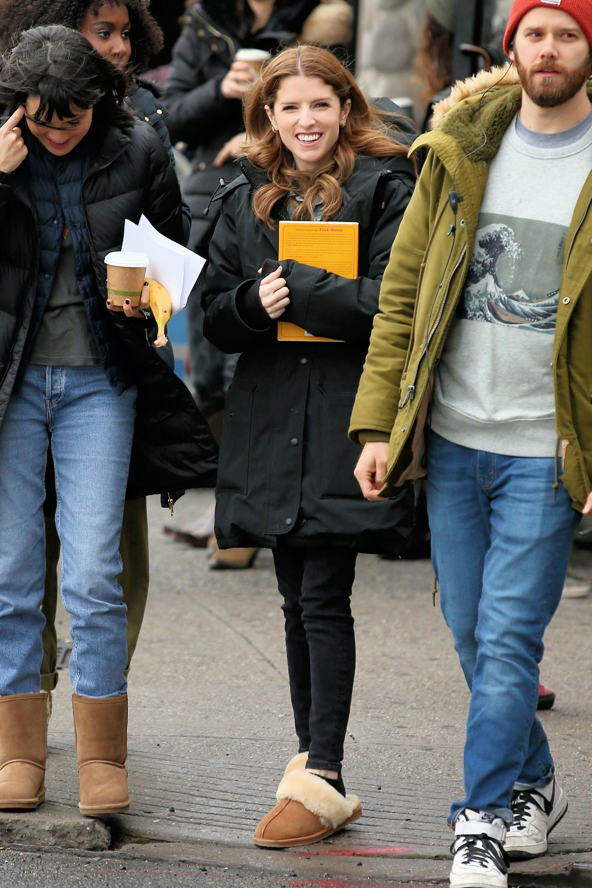 Anna Kendrick on the set of 'Love Life' filming in Brooklyn, New York 2019/11/18 4