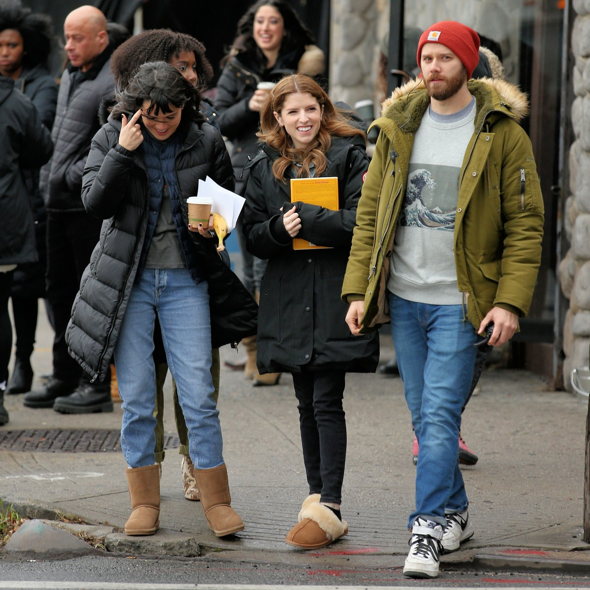 Anna Kendrick on the set of 'Love Life' filming in Brooklyn, New York 2019/11/18 5