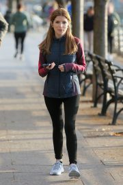 Anna Kendrick on the set of 'Love Life' in New York City 2019/11/05 3