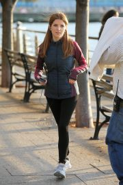 Anna Kendrick on the set of 'Love Life' in New York City 2019/11/05 4