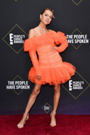 Anne Winters attends E! People's Choice Awards 2019 at Barker Hangar in Santa Monica 2019/11/10 12