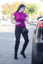 Ariel Winter in purple top and black bottom out in Los Angeles 2019/11/25 3