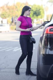 Ariel Winter in purple top and black bottom out in Los Angeles 2019/11/25 7