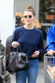 Ashley Greene with a friend goes shopping for groceries in Beverly Hills 2019/11/26 1