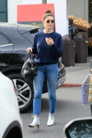 Ashley Greene with a friend goes shopping for groceries in Beverly Hills 2019/11/26 4