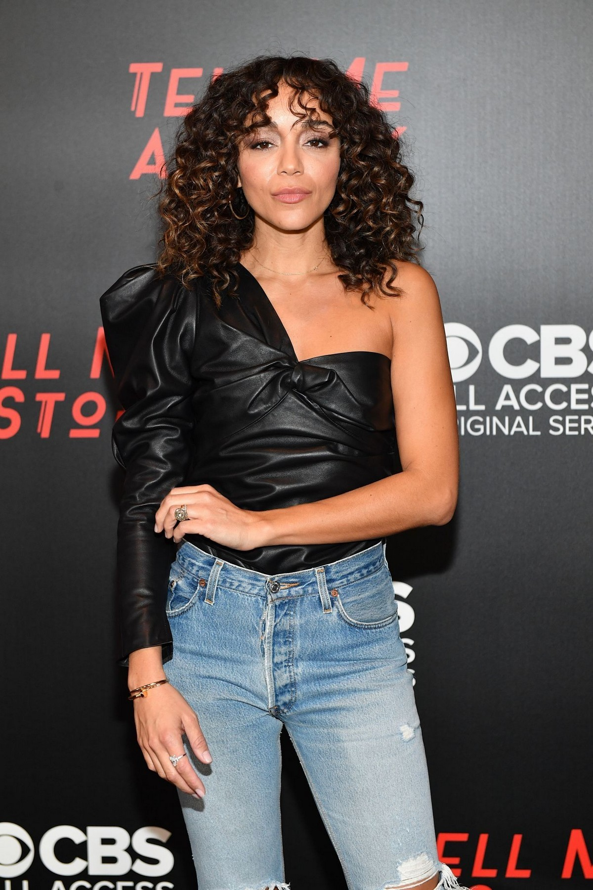 """Ashley Madekwe arrives """"Tell Me a Story"""" Season 2 Premiere at Ford Theater in Nashville 2019/11/20 1"""