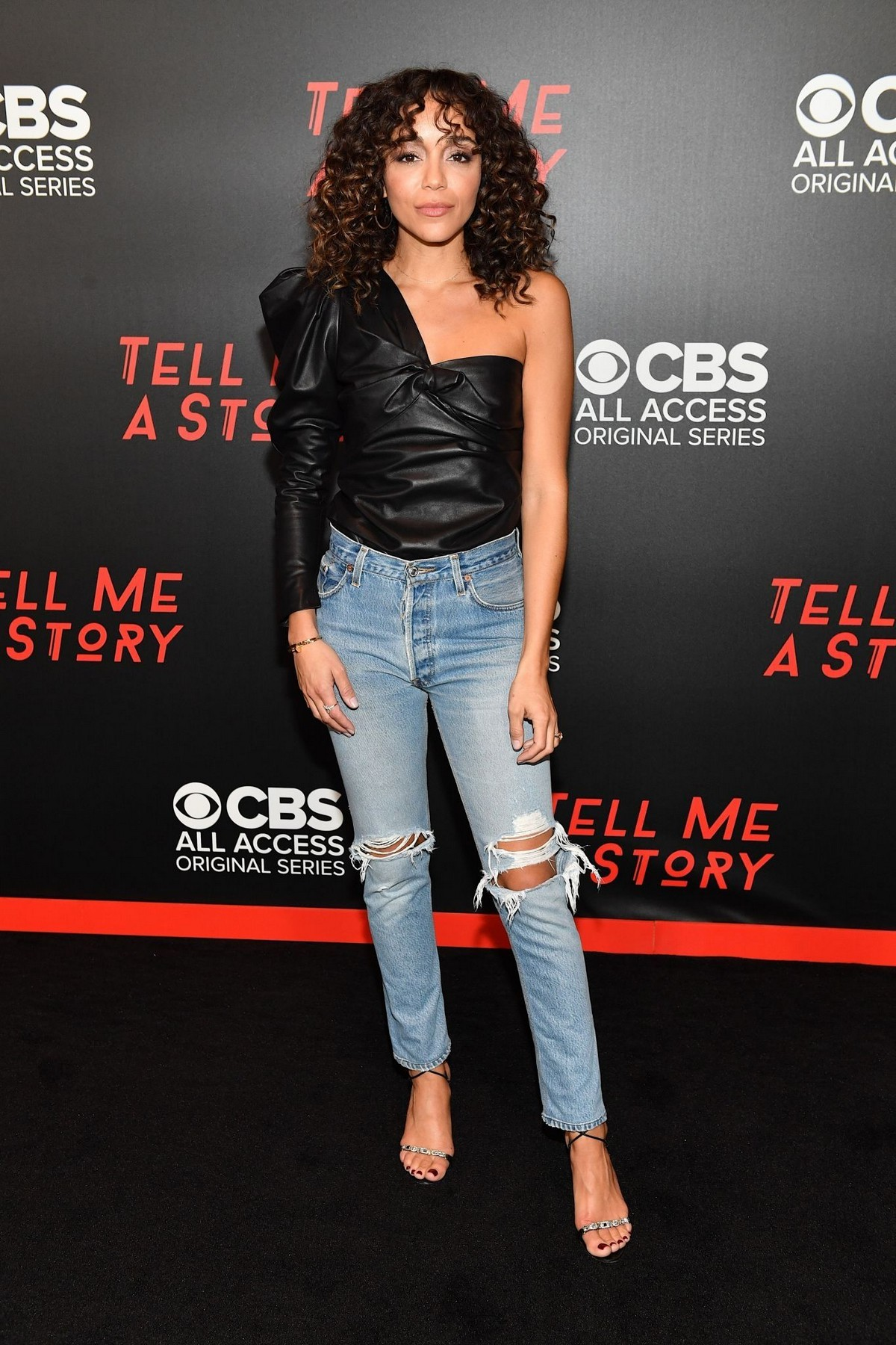 """Ashley Madekwe arrives """"Tell Me a Story"""" Season 2 Premiere at Ford Theater in Nashville 2019/11/20 2"""