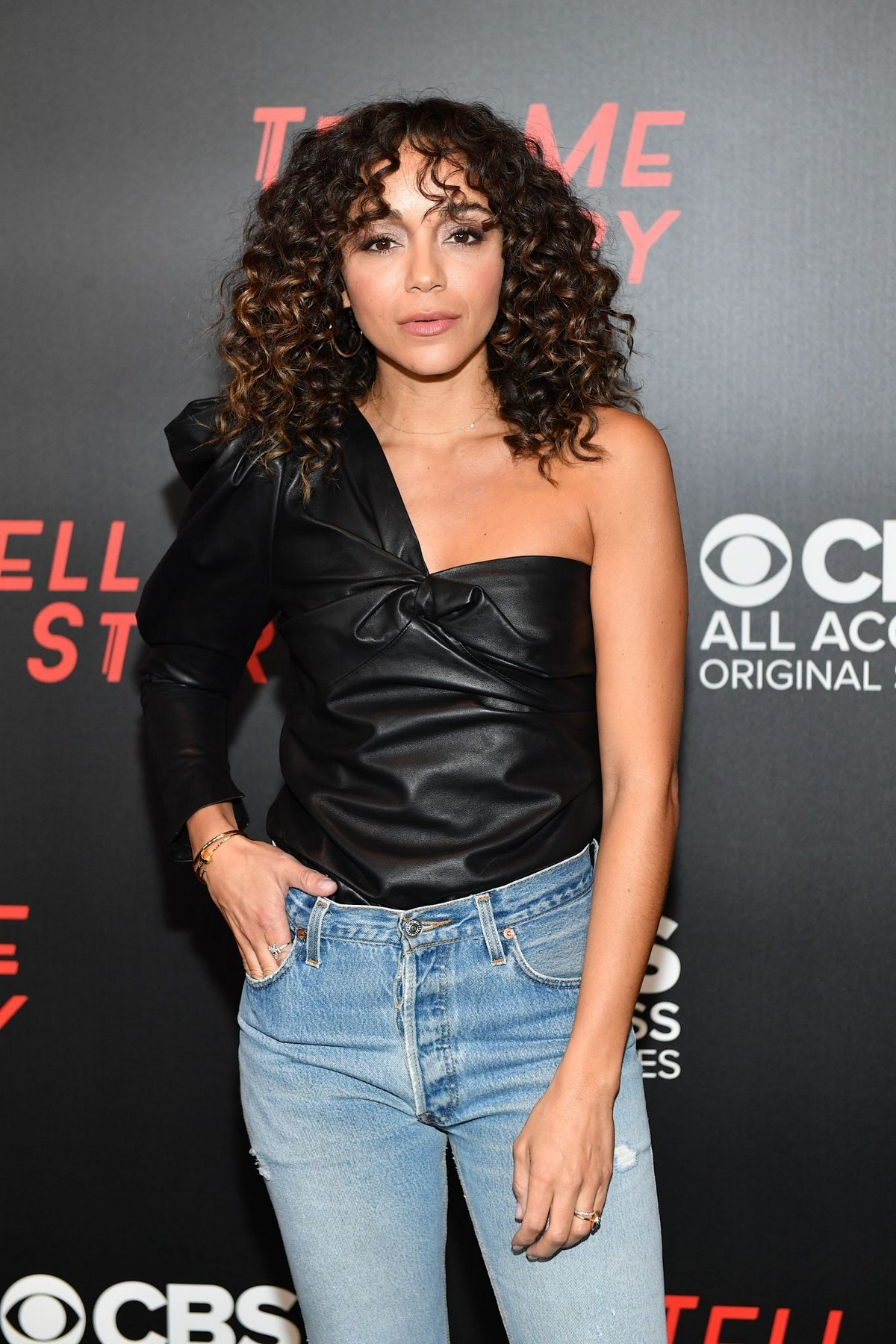 """Ashley Madekwe arrives """"Tell Me a Story"""" Season 2 Premiere at Ford Theater in Nashville 2019/11/20 4"""