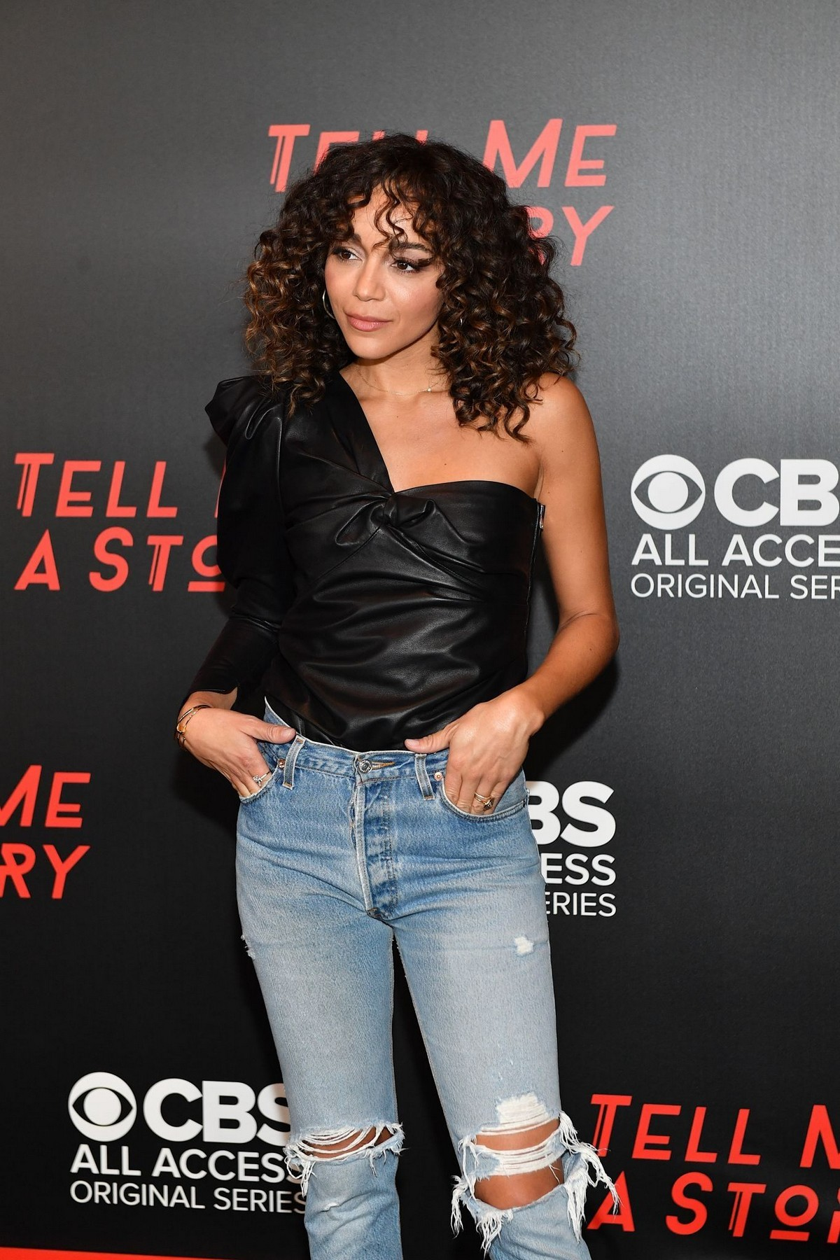 """Ashley Madekwe arrives """"Tell Me a Story"""" Season 2 Premiere at Ford Theater in Nashville 2019/11/20 5"""