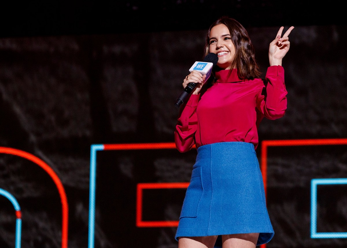 Bailee Madison in Red and Blue at We Day in Vancouver 2019/11/19 2