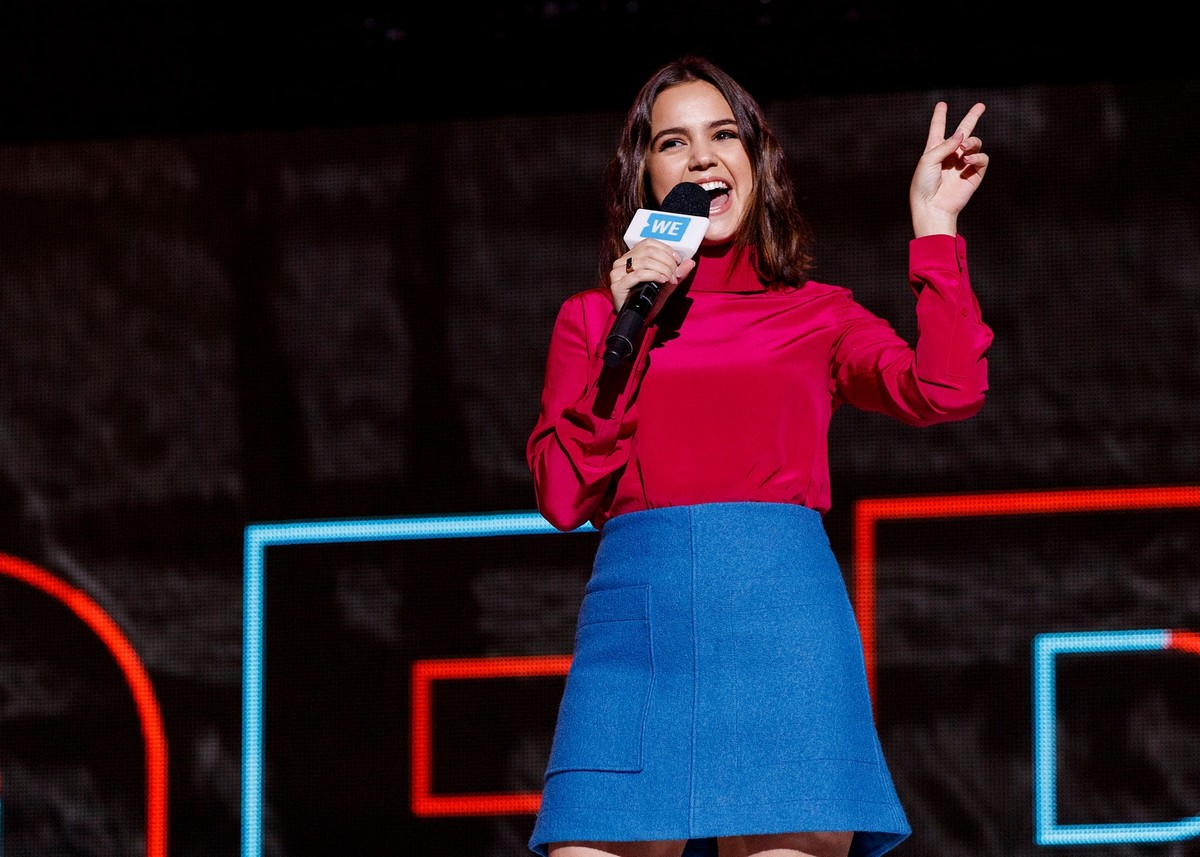 Bailee Madison in Red and Blue at We Day in Vancouver 2019/11/19 3