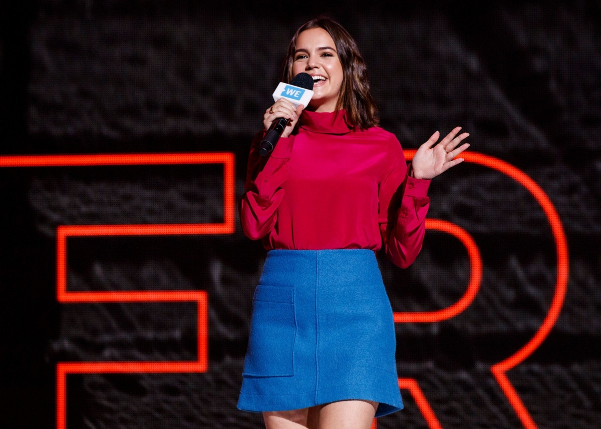 Bailee Madison in Red and Blue at We Day in Vancouver 2019/11/19 4