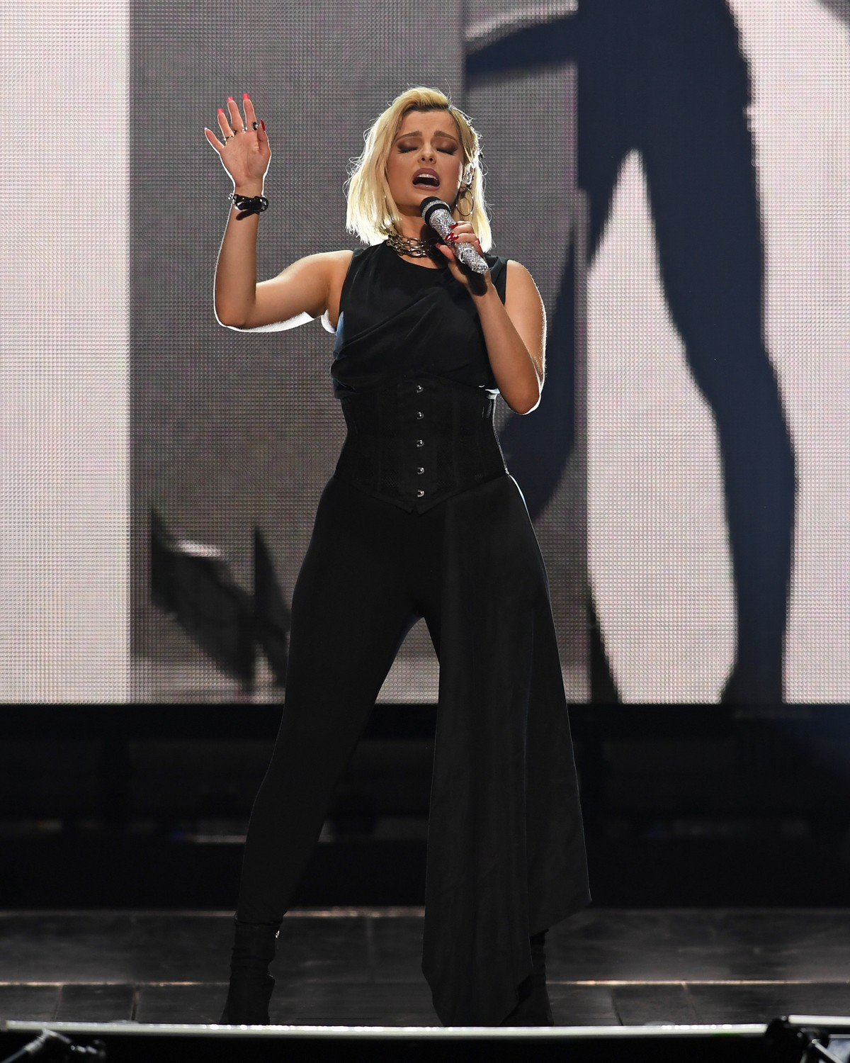 Bebe Rexha performs at the BB&T Center in Sunrise 2019/11/15 8