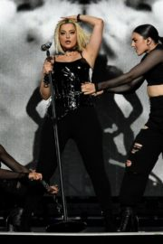 """Bebe Rexha Performs During Jonas Brothers """"Happiness Begins"""" Tour at Prudential Center in Newark 2019/11/22 3"""