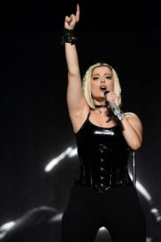 """Bebe Rexha Performs During Jonas Brothers """"Happiness Begins"""" Tour at Prudential Center in Newark 2019/11/22 7"""