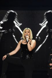 """Bebe Rexha Performs During Jonas Brothers """"Happiness Begins"""" Tour at Prudential Center in Newark 2019/11/22 9"""
