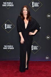 Bellamy Young arrives at E! People's Choice Awards 2019 in Los Angeles 2019/11/10 2